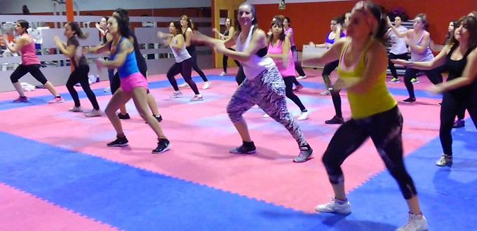 Μαθήματα Zumba από το Spin Top Pole • Aerial • Dance • Fitness.