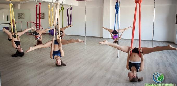 Μαθήματα Aerial Swing & Μαθήματα Power Fit ή Aerial Fitness από το Spin Top Pole • Aerial • Dance • Fitness.